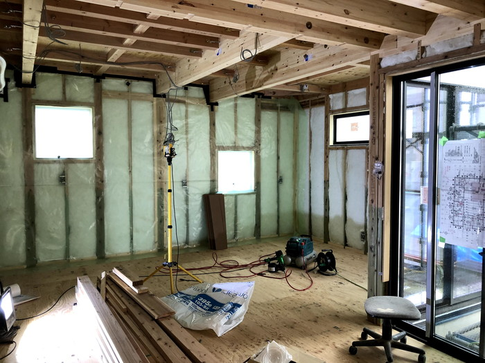 防湿気密シート・断熱材の施工です。 郡山市 新築住宅 大原工務店のブログ