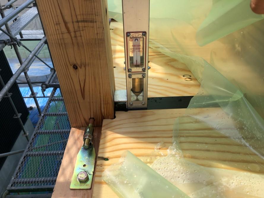 防風さげふりで家の垂直を見ます。 郡山市 新築住宅 大原工務店のブログ