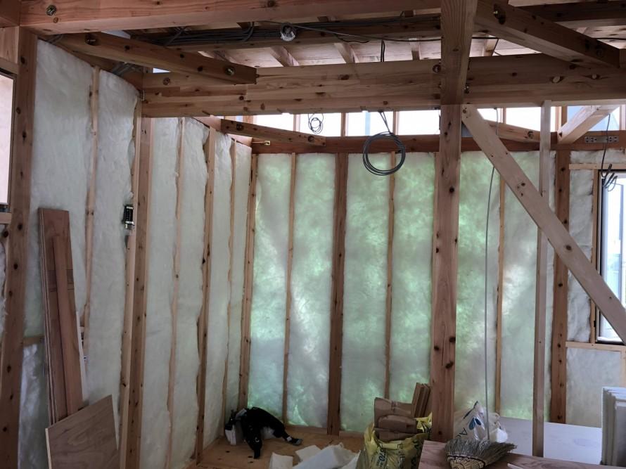 アクリアウール充填しました|郡山市 新築住宅 大原工務店のブログ