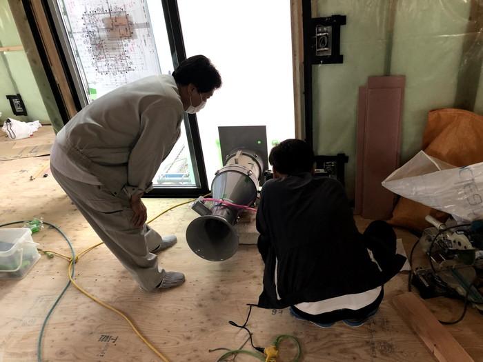 気密検査の様子です。 郡山市 新築住宅 大原工務店のブログ