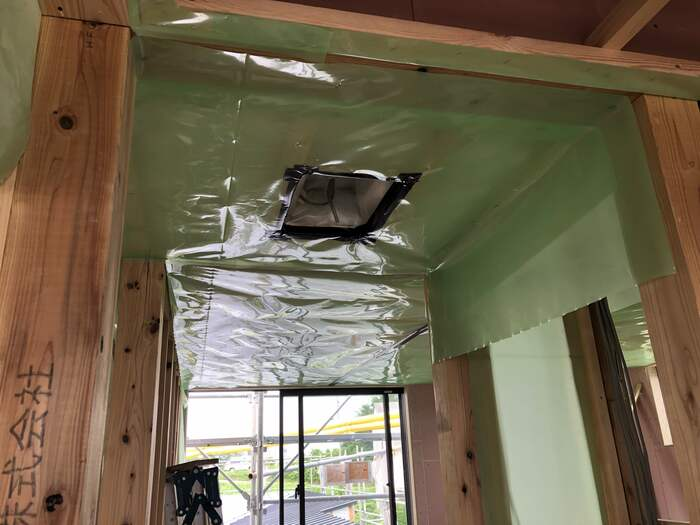 防湿気密シートで天井を仕上げていきます。郡山市横塚| 郡山市 新築住宅 大原工務店のブログ
