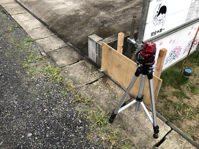高さを測っていきます。三春町下舞木S様邸| 郡山市 新築住宅 大原工務店のブログ