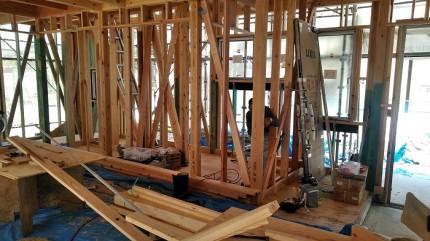内部では、木工事が進んでおります。田村市船引町|郡山市 新築住宅 大原工務店のブログ