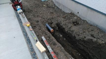 排水管の設置です。