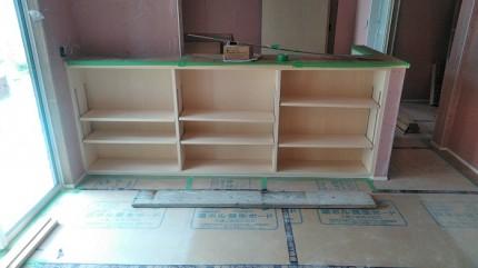 カウンター収納を造作工事してます。田村市船引町|郡山市 新築住宅 大原工務店のブログ