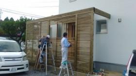 玄関の木製ルーバー取付完了! まもなく工事完了! 富田町 新築住宅 I様邸