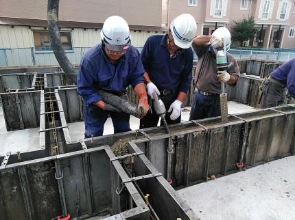 立ち上がりのコンクリートを打設してます。郡山市大槻町|郡山市 新築住宅 大原工務店のブログ