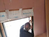 和室の窓枠取付中です。 | 郡山市 新築住宅 大原工務店のブログ