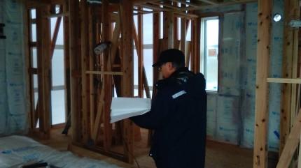 上棟検査で筋違チェック中です。 | 郡山市 新築住宅 大原工務店のブログ