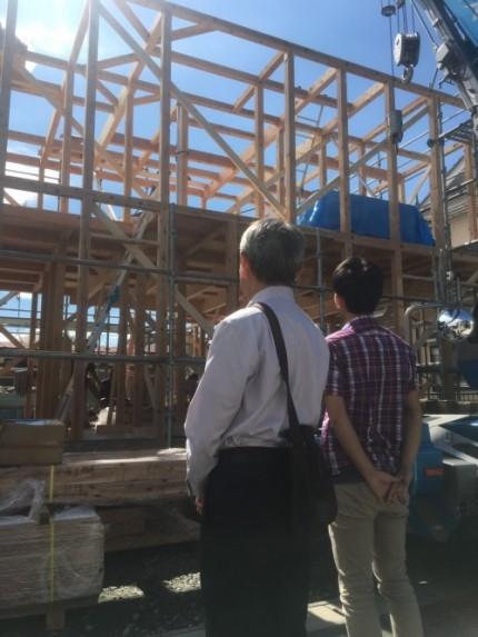 上棟棟上げを眺めるH様郡山市|郡山市 新築住宅 大原工務店のブログ