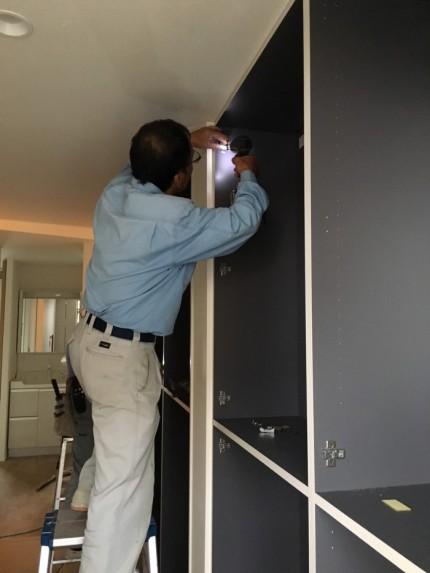 玄関収納を取り付けております。福島県会津若松市|郡山市 新築住宅 大原工務店のブログ
