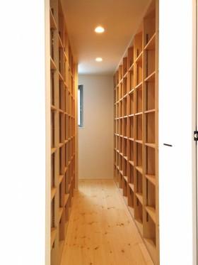 シンプルを追求した箱型住宅~書庫~|郡山市 注文住宅 大原工務店 施工例