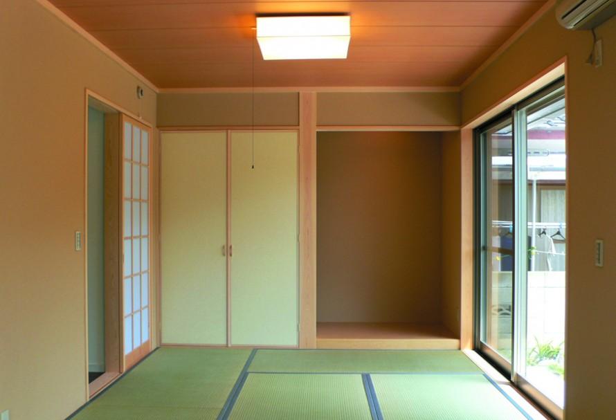 アルミ製ルーバーが際立った印象を感じさせる洗練された注文住宅-和室-|郡山市 注文住宅 大原工務店の施工例