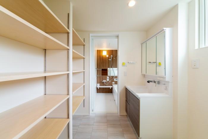 お客様邸の洗面所です| 郡山市 新築住宅 大原工務店のブログ