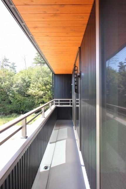 ガルバリウム鋼板の外壁を使ったお家の軒天井に杉板を貼りました。| 郡山市 新築住宅 大原工務店のブログ
