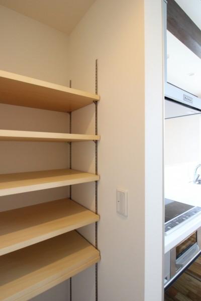 可動棚になっているパントリー。| 郡山市 新築住宅 大原工務店のブログ