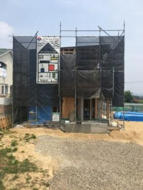福島市K様邸新築住宅 足場シートがかけられました!