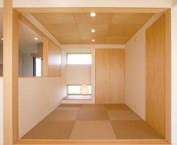 動線に配慮した回遊性のある平屋建寄棟の家-和室-|郡山市 注文住宅 大原工務店 施工例