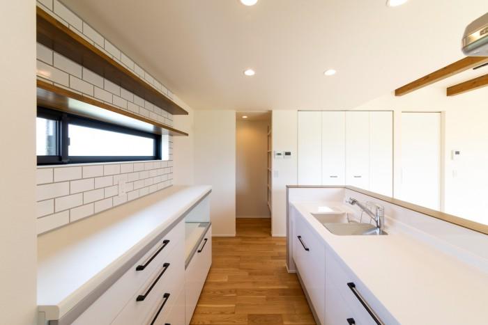 タイルが素敵なK様邸のキッチンです| 郡山市 新築住宅 大原工務店のブログ