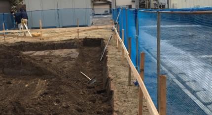 新築工事の根切り工事をしているところの様子です。郡山市小原田 |郡山市 新築住宅 大原工務店のブログ