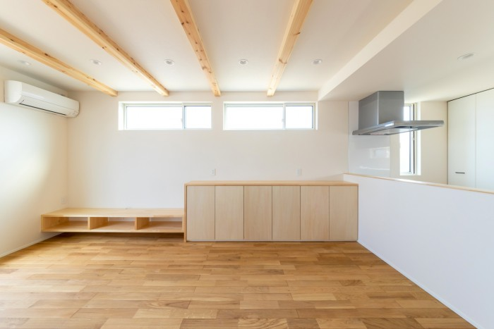 A様邸のリビングに造作のテレビボードとカウンターを設けました!| 郡山市 新築住宅 大原工務店のブログ