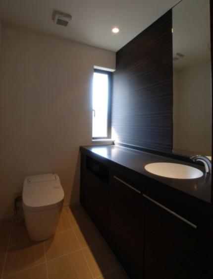 日本の伝統的な家「平屋」で暮らす贅沢な時間-トイレ-|郡山市 注文住宅 大原工務店の施工例