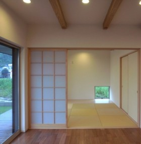 インナーバルコニーのある寄棟の家-和室-|郡山市 注文住宅 大原工務店の施工例