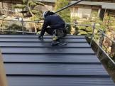 屋根葺き施工しています 郡山市町東 | 郡山市 新築住宅 大原工務店のブログ