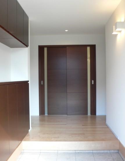 日本の伝統的な家「平屋」で暮らす贅沢な時間-玄関-|郡山市 注文住宅 大原工務店の施工例