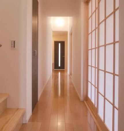 ジャパニーズモダン 柔らかな光の差し込む上品な戸建-廊下-|郡山市 注文住宅 大原工務店の施工例