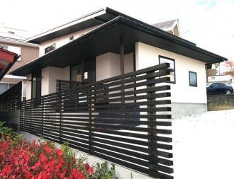 深い軒と片流れで構成される和モダンの家|郡山市 注文住宅 大原工務店の施工例