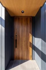 S様邸の素敵な玄関ドアです。郡山市片平町S様邸| 郡山市 新築住宅 大原工務店のブログ