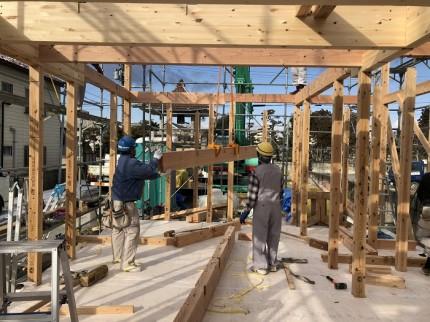 1階天井部分を組み立てています 郡山市小原田 | 郡山市 新築住宅 大原工務店のブログ
