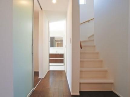 家事動線を考え回遊性のある廊下・階段|郡山市 注文住宅 大原工務店 施工例
