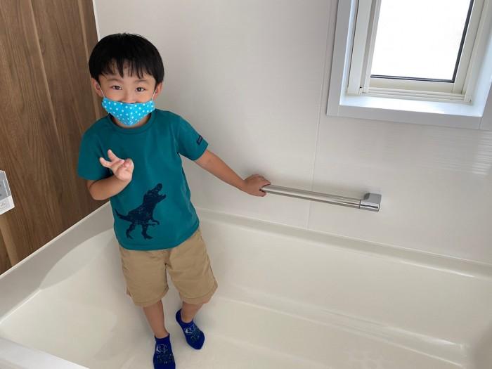 お子様も楽しそうにお家の中を探検していました!| 郡山市 新築住宅 大原工務店のブログ