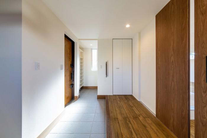 S様邸の広い玄関ホールです!| 郡山市 新築住宅 大原工務店のブログ
