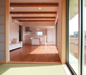 真っ白な外壁の四角い家 シンプルデザインハウス-LDK-|郡山市 注文住宅 大原工務店の施工例